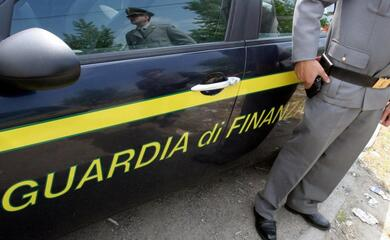 intesta-fittiziamente-centro-estetico-alla-moglie-confisca-da-500-mila-euro