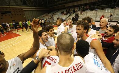 basket-a2-play-off-lorasa-comincia-alla-grande-verona-cade-al-pala-cattani