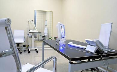 rimini-giudizio-immediato-per-lex-medico-del-campione-di-nuoto-magnini