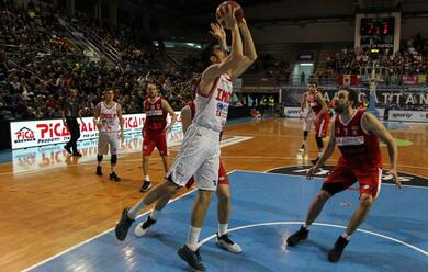 Immagine News - basket-a2-il-derby-del-pala-cattani-sorride-allandrea-costa-imola