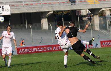 Immagine News - calcio-b-il-cesena-si-sveglia-tardi-e-torna-da-venezia-senza-punti