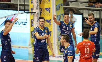 volley-superlega-la-bunge-batte-castellana-grotte-e-torna-in-zona-play-off