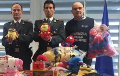 Immagine News - ravenna-finanza-sequestra-178mila-giocattoli-contraffatti