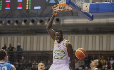 basket-a2-memorabile-impresa-dellorasa-rimonta-e-terzo-successo-stagionale-contro-la-fortitudo