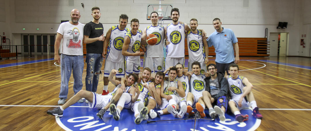 fsp it il-basket-2000-si-gode-una-grande-impresa-n436 006