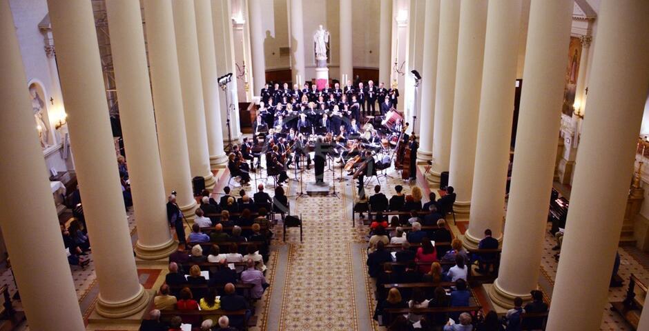 Entusiasmanti melodie della Corale in Basilica