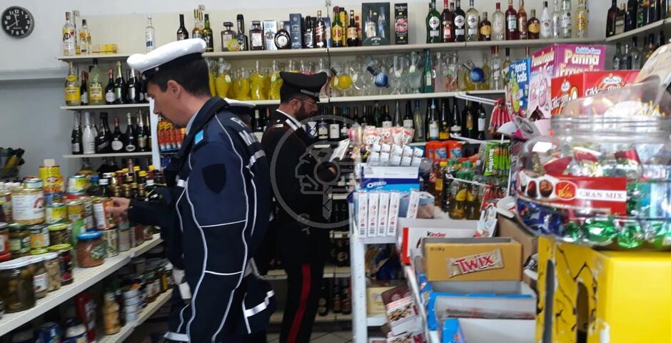 Chiuso il supermercato che vendeva alcool dopo le 24 e a minori