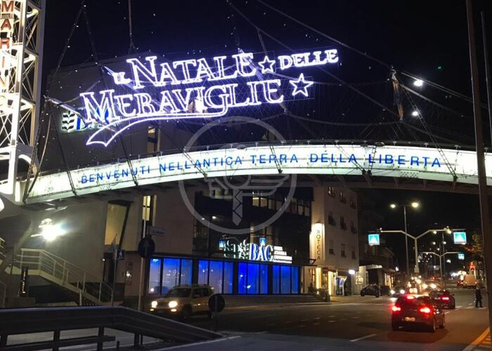 Si accendono le luminarie del Natale delle Meraviglie