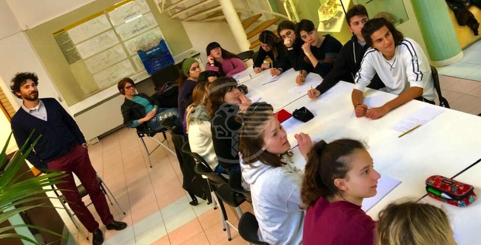 Nuova vita ai reperti del museo grazie agli studenti