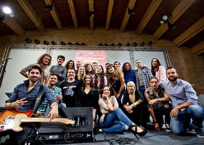 Visione Globale della Musica domenica a teatro