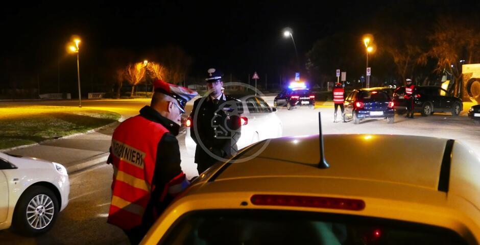 Un arresto e 16 denunce dei carabinieri a Pasqua