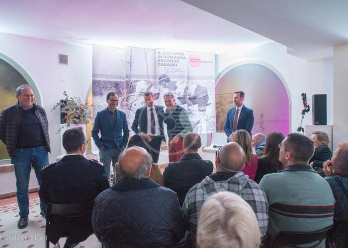 Il ciclismo in Romagna secondo Casadei: via alla mostra