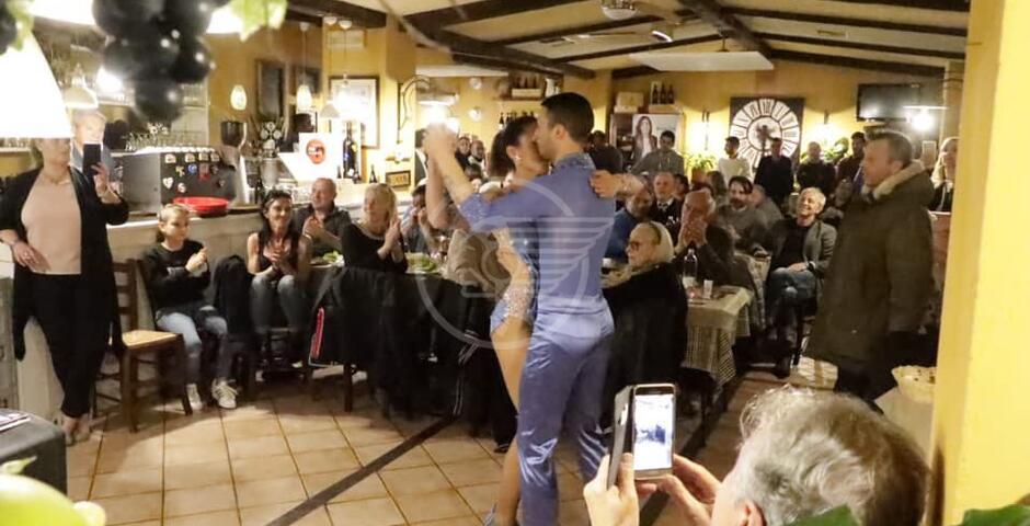 Piatti romagnoli e ballerini alla cena della Pontis