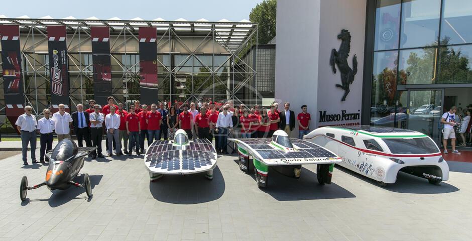 La prima auto ad energia solare fa faville