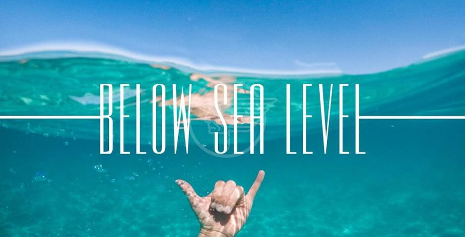 "Stasera a BFF on the beach ""Below sea level"" di Rosi"