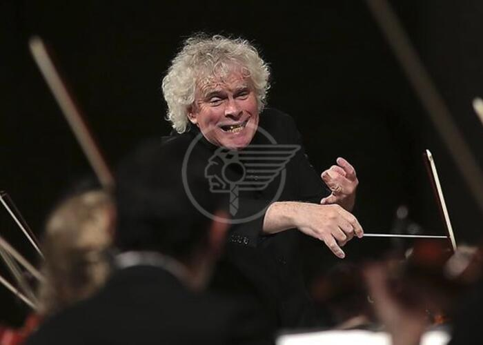 Alla Sagra Malatestiana debutto per sir Rattle