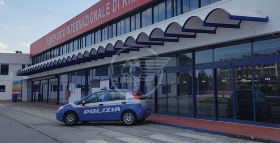 Documenti falsi, manette ed espulsione per un albanese