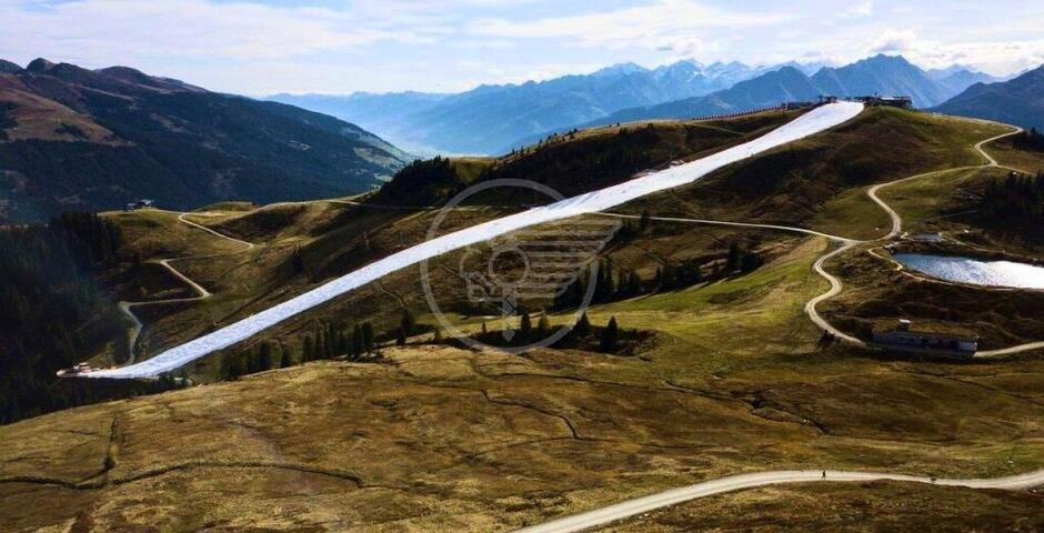 """Austria: la """"conserva della neve"""" e il Futurismo della linea bianca"""
