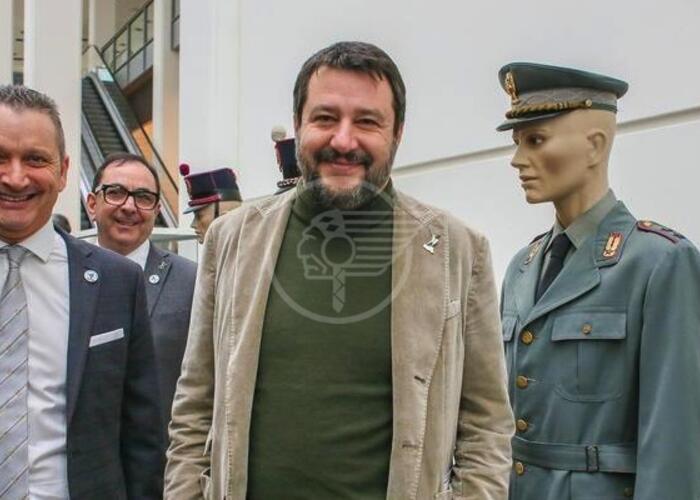 """Salvini a Rimini: """"Caduti della Polizia non ricordati"""""""