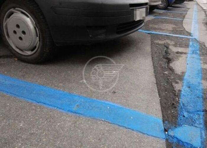 """Stanchini (Lega): """"Sosta gratuita sulle strisce blu per le feste"""""""