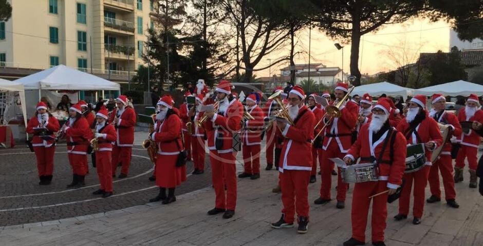 La festa comincia in Piazza della Repubblica