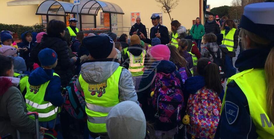 Stalli disabili, controlli di bimbi del Pedibus e Polizia Locale