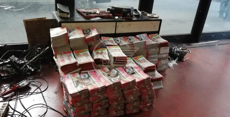 Indagini su 24 pakistani trovati in un magazzino