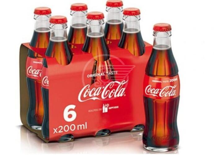 Possibili filamenti di vetro, richiamati lotti di Coca-Cola