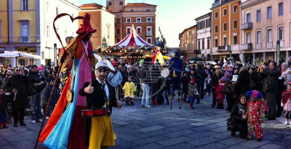 In Piazza Cavour per due giorni è tempo di Carnevale
