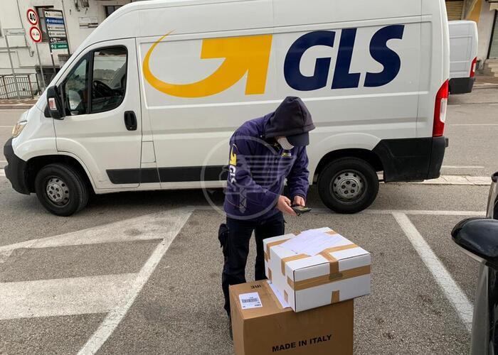 Imprenditore dona migliaia di mascherine ai cittadini: il ringraziamento del sindaco Ciotti
