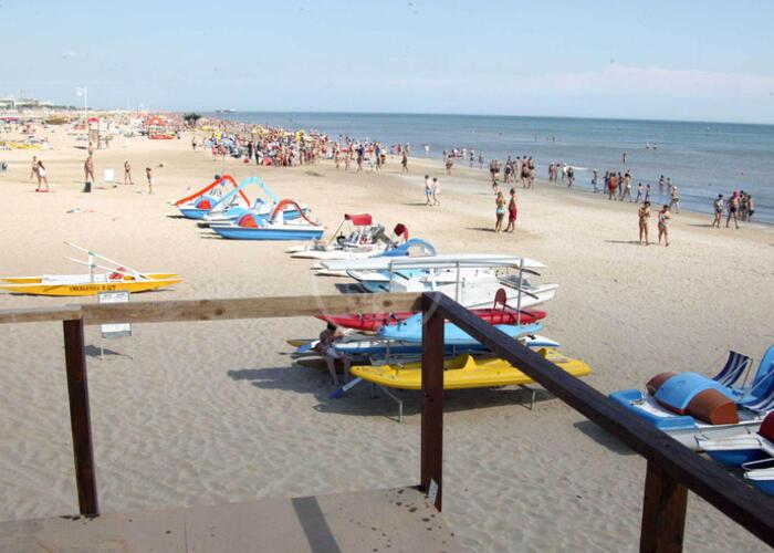 La Riviera si blinda per respingere i turisti
