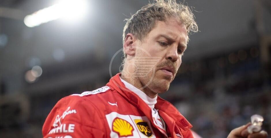 Alla Ferrari paga Vettel per tutti: il tedesco è fuori
