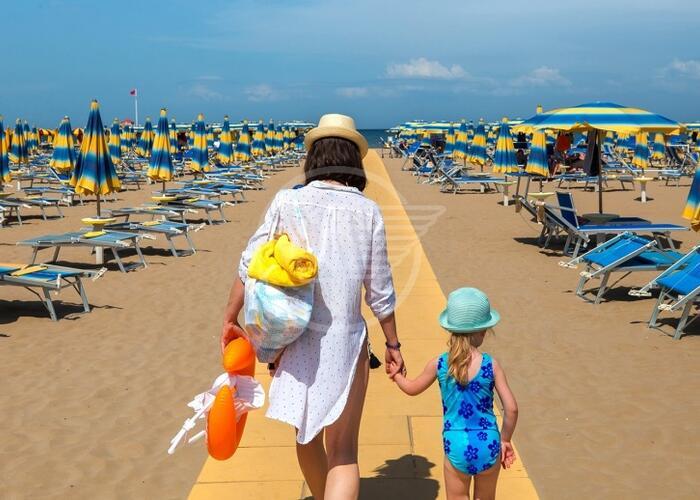 Ecco l'ordinanza balneare: spiagge aperte almeno fino alle 22