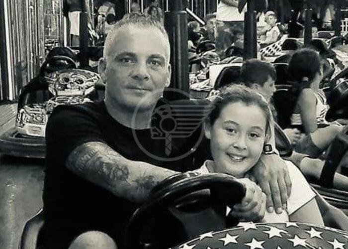 Scooter contro autocarro: muoiono padre e figlia 12enne