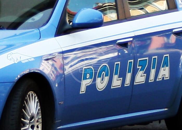 Ruba un motorino a Rimini, arrestato a Riccione