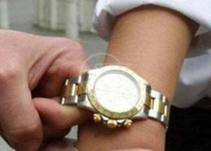 La banda del Rolex di nuovo in azione, ma questa volta gli va male