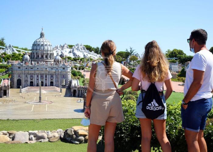 Da Firenze, Brescia, Roma e Lecce per la riapertura di Italia in Miniatura e Aquafan