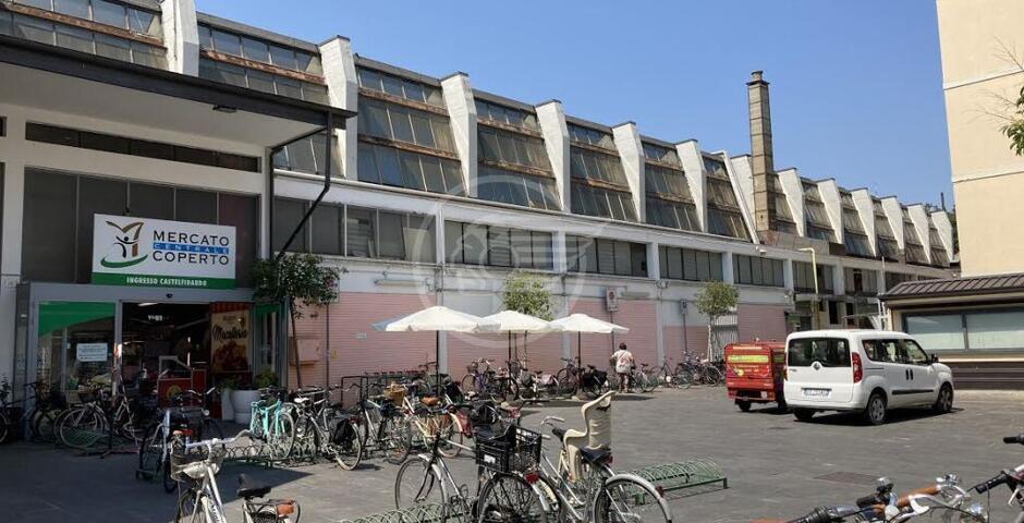 """Renzi: """"Un nuovo Mercato Coperto nell'area di Piazza Gramsci"""""""