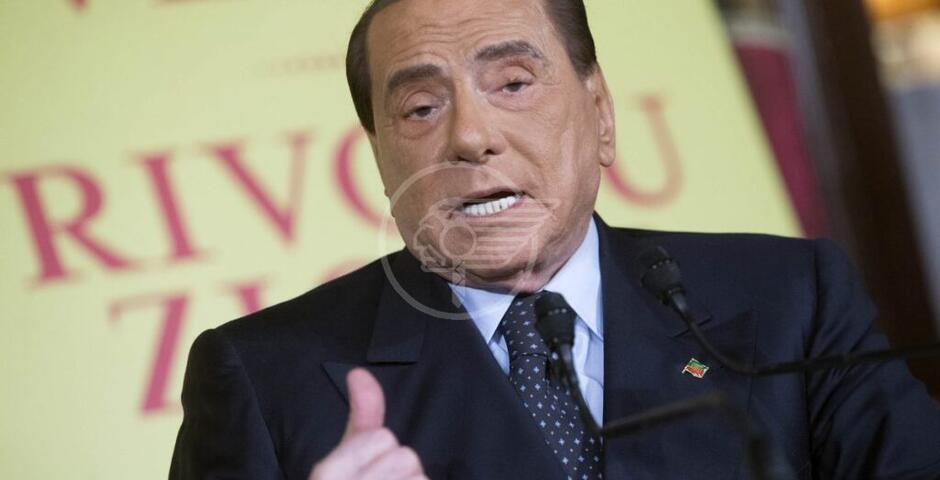 Auguri bipartisan a Berlusconi, contagiati due figli e la compagna