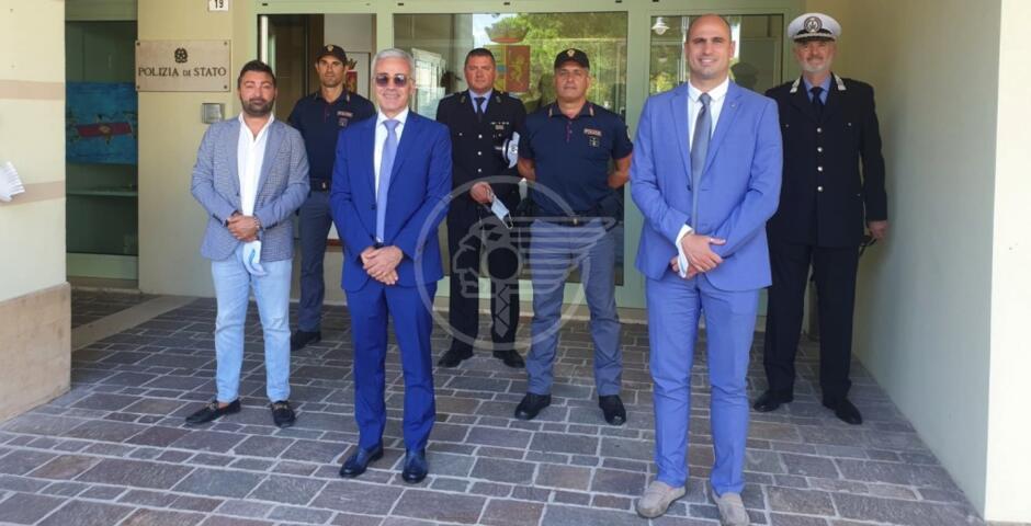 Comune, Caserma dei carabinieri e posto estivo di Polizia: la visita del prefetto