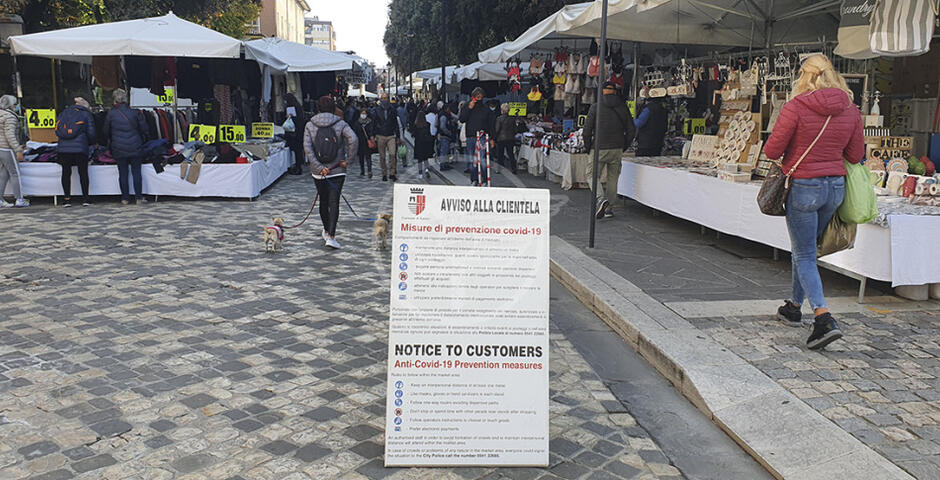 Controlli ai mercati rionali della Polizia Locale e del Cocap