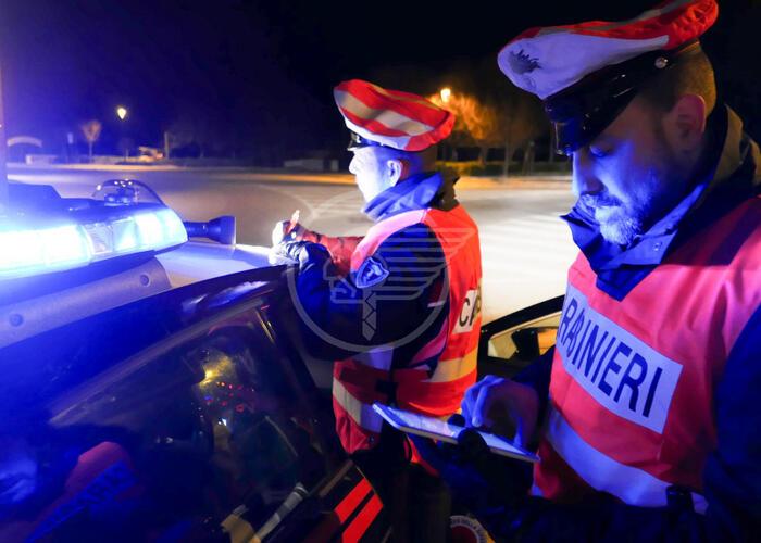 Litiga con l'albergatore e aggredisce i carabinieri: arrestato