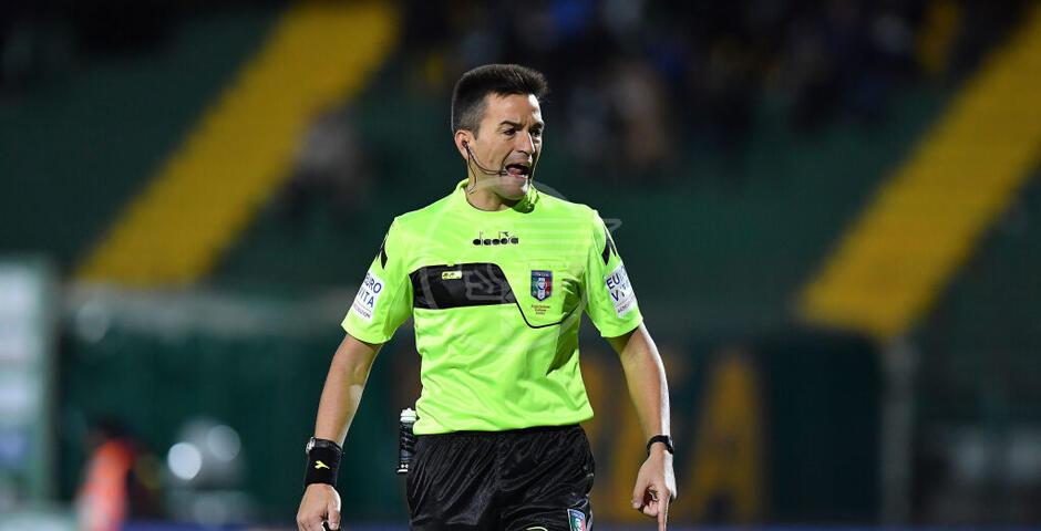Arbitro e guardalinee riminesi per Hellas Verona-Genoa di lunedì sera