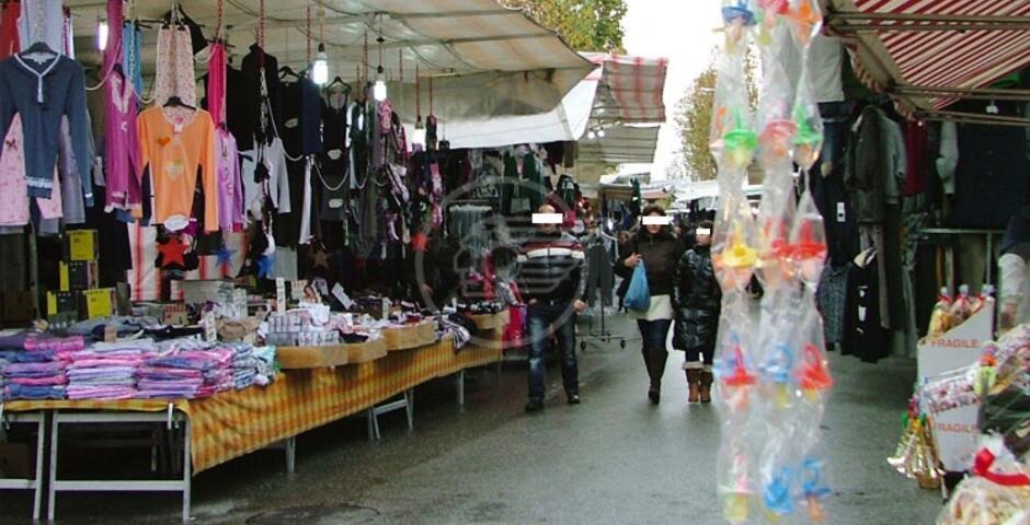 Salta il mercato del venerdì, il nodo irrisolto gli oneri di vigilanza