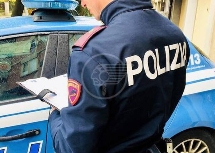 Controlli della Polizia: multa a due bar che somministravano caffè e alcol ai clienti