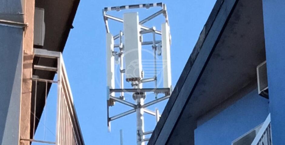 Spunta una nuova antenna 5G anche a Marina Centro: petizione al sindaco
