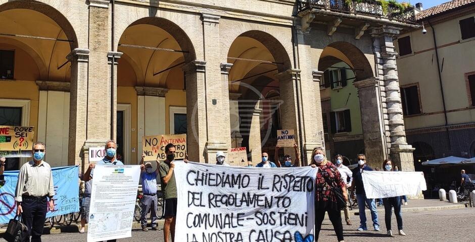 Renzi (FdI) canta vittoria per lo spostamento dell'antenna a Viserba Monte