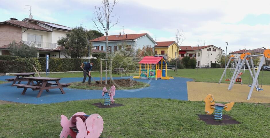 Completati i lavori al parco in via del Biancospino