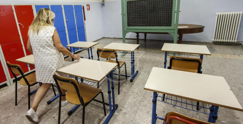 """Merlini (Lega Giovani): """"Messo in discussione il futuro della scuola"""""""