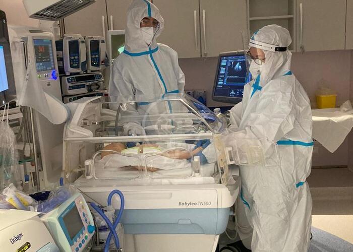 Neonata positiva affetta da malformazione cistica del collo operata all'ospedale di Rimini